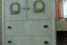 Annie Sloan Chalk Paint / by Valerie Walker