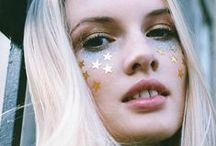 FEELING GLAM / The beauty trends we are loving