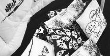 Dévastée / Ophélie Klère et François Alary ont créé Dévastée en 2004. Ophélie modélise vêtements et objets, François dessine. Leurs collections sont animées par une multitude d'images aussi joyeuses qu'incompréhensibles. Leur univers de création est poétique et vous transporte. En vente en exclusivité chez Monoprix à partir du 25 Novembre 2015.