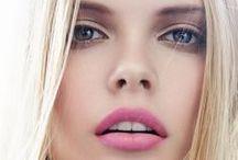 Make up / by Rita Neto
