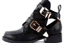 shoes / Como não amar sapatos ! Como resistir a esta tentação ! Como não querer todos! Vamos compartilhar esse amor!