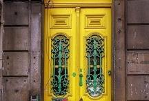 Doors / Para entrar e ficar.... ou sair e voltar