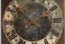"Clocks & Watches / ""O tempo que nos massacra é o mesmo que nos conforta."""