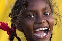 Childrens & People of the World / Todo leite é branco. Todo sangue é vermelho. Toda alma é humana.