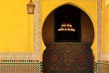 """Inspiration Marrakesch / Marrakesch oder Marrakech, auch bekannt als """"Perle des Südens"""", ist eine der wichtigsten Inspirationsquellen für die Sommerkollektion 2015. Wüstenfarben, Mosaik, Blüten und Blätter sind die Hauptmotive der Stadt und der Kollektion von Gudrun Sjödén."""