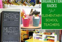 Classroom Decor & Organization / An Attractive + Functional Classroom