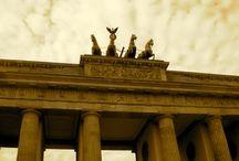 Berlijn / Hotels die de moeite waard zijn, veelal zeer sfeervol of trendy:   • Hotel Crowne Plaza Berlin City Centre • Hotel H10 Berlin Ku'damm • Hotel Pullmann Schweizerhof • Excursie Trabisafari  • Excursie Fernsehturm