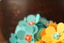 Flores de papel / by Selma Consoli Jacintho