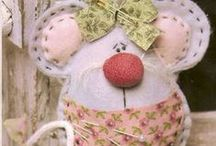 Pincushions-Crochet & Fabric ! / Pincushions (small) & Fabric, crochet