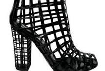 Shoes I love (addicted level) / Amo el calzado en general. Una muestra de zapatos, botas, zapatillas, de todo para hombres o para mujeres qeu em gustan a nivel formal o conceptual.