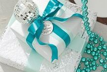 Gifts and Hampers / by Anne Vesco