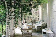 Backyard / Backyard ideas to decorate the outdoors.