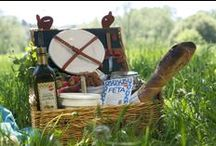 Planning a picnic / Picnic season is here! We have set up a lovely picnic menu based on the authentic flavors of Eastern Mediterranean and the Swedish summer as an inspiration.