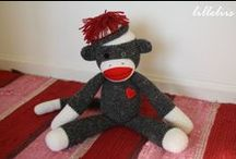 Free Monkey Crochet Patterns  / Make Your Own Monkey With A Free Pattern found here by a variety of designers! Click on the pictures to get to the pattern :) / by Sharon Ojala