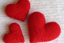 Free Valentine Crochet Patterns / Make Your Own Valentine With A Free Pattern found here by a variety of designers! Click on the pictures to get to the pattern :)