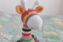 Free Giraffe Crochet Patterns / by Sharon Ojala