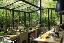 Kitchens / by Ciara Owen