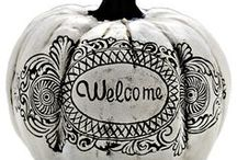 Holiday | Halloween / No tricks, just treats (and super cute home decor!!) in this board! Get inspired to spookify your home, plan for a fun party and celebrate the Halloween season in style!