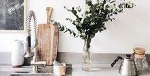 kitchen / Clean designed kitchen spaces