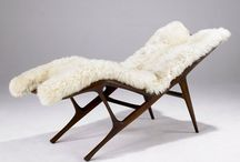 Daybeds & Chaises Longues