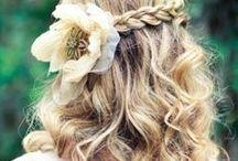 Coiffure bohème cheveux longs + fleur {Boho hairstyle long hair+ flower}