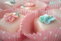 Party Cakes / by Deana Irvine