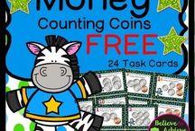 Math Classroom FREE RESOURCES / Math free resources for PreK-4th Grade teachers. #mathfreebies #freemathresources #mathfreestuff
