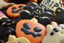 """Ricette di Halloween / Valle' è.. ricette di dolci per Halloween! Dolcetto o scherzetto? Ricette per dolci e biscotti per trascorrere una paurosissima festa, spaventando i tuoi amici più """"cari"""". Scopri le nostre bellissime e terrificanti ricette in queste pagine e facci sapere se avrai il coraggio di provare a farne una!"""