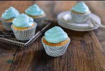 Cupcakes / Tante deliziose ricette di capcakes di ogni tipo: alla frutta, al cioccolato, colorati e divertenti.   Valle' ha pensato a tanti modi differenti per gustare questi deliziosi dolcetti.
