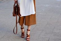 PALAZZO PANTS / It's hard to let go of skinny pants, but I love wearing wide leg pants for a new look.