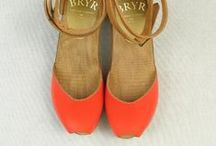 Zapatos bonitos - Nice Shoes / #moda #fashion #style #zapatos #shoes #baliarinas #boot