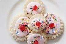 Recipes - Baking/Sweet Stuff / by Peggy-Sue Lafferty