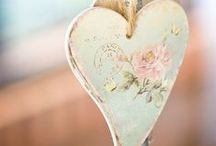 Hearts everywhere / Corações / by Gisela Campana Pinheiro