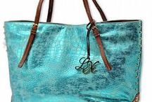 BAG LADY / all about purses, clutches, & bags