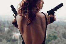 Vibe: Femme fatal(e)