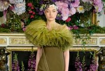 Couture / Looks of Couture, favs from the runway of today and the past. historic looks.
