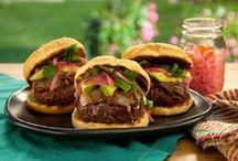 Burgers / by Julie Bernat