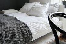interior: bedroom / by Danielle DeBoe Harper