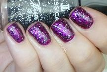 Jessica Effects / Mix and match different shades and textures to transform your manicure.