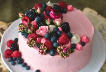 Cake decorating inspiration / New ideas for layer cakes, cupcakes and cookies.