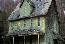 Tu casa ,mi casa todas las casas! /  Castillos ,cabanas,departamentos ,petit hoteles,mansiones aunque esten abandonadas. / by Adri Bosch