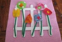 CRAFTS - Wooden Sticks, Clothes Pins & Blocks