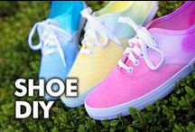 Shoe DIY Ideas / DIY ideas for shoes - how to custom paint shoes, tie dye shoes, upcycled shoes, painted shoes, paint splatter shoes, ombre shoes, dip dyed shoes.