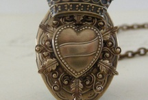 Steampunk / Men and Women's fashion items in steampunk style