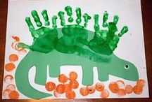 Dinosaur Unit (MFW K) / Learning activities to do during the Dinosaur Unit in My Father's World Kindergarten (MFW K). Dinosaur, bones, fossils, and prehistoric ideas for kids.
