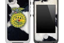 Phone cases / I need a new phone case! / by Sandra Gaylord