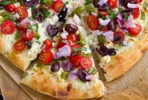 Clean Eating Pizza Inspiration / by Sarah Upchurch