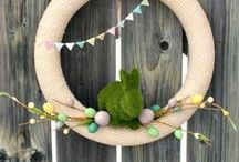 -~Wreath Love~- / A group board for wreaths and door hangings.  If you are a blogger and would like to contribute to this board, please let me know and I will be glad to add you!  Thanks!