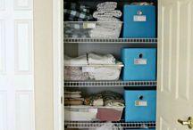 O R G A N I Z E: closet.