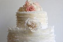 Pretty Cakes / by Gaby Skaines